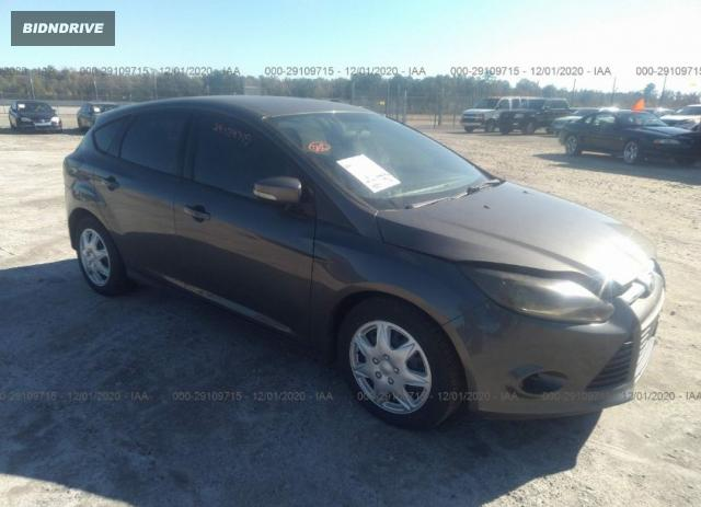 Lot #1618032611 2013 FORD FOCUS SE salvage car