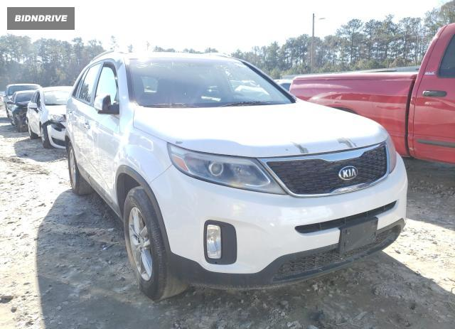 Lot #1623121947 2014 KIA SORENTO LX salvage car