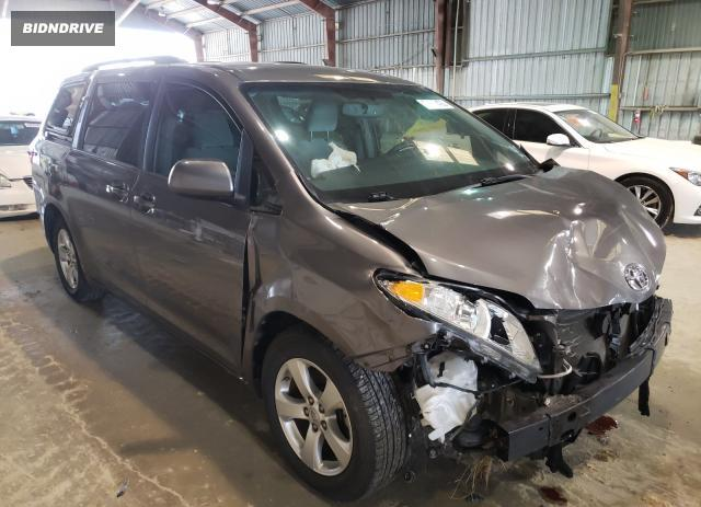 Lot #1629582537 2017 TOYOTA SIENNA LE salvage car