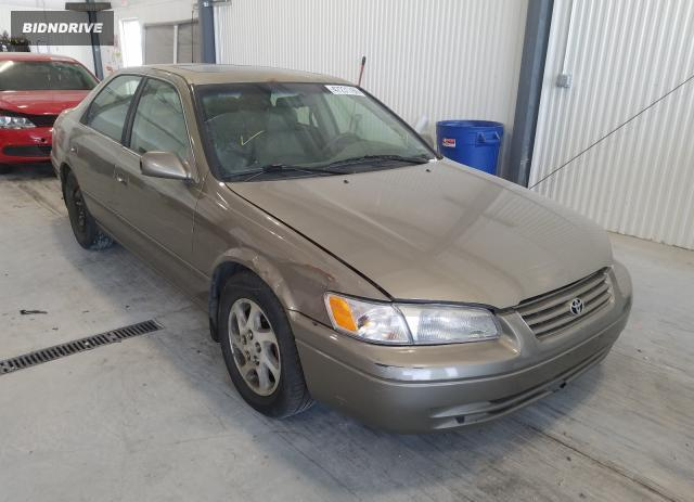 Lot #1639538864 1999 TOYOTA CAMRY LE salvage car