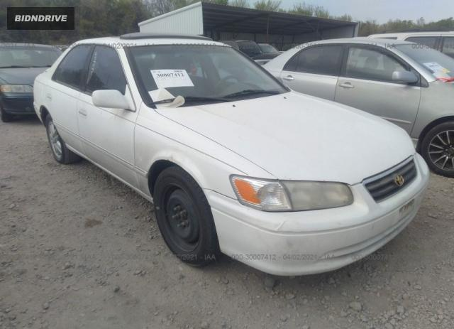 Lot #1681179927 2000 TOYOTA CAMRY XLE salvage car