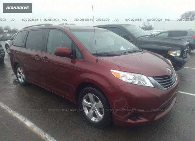 Lot #1693929697 2014 TOYOTA SIENNA LE salvage car