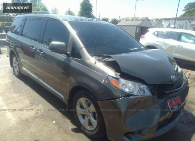 Lot #1716135611 2012 TOYOTA SIENNA LE salvage car