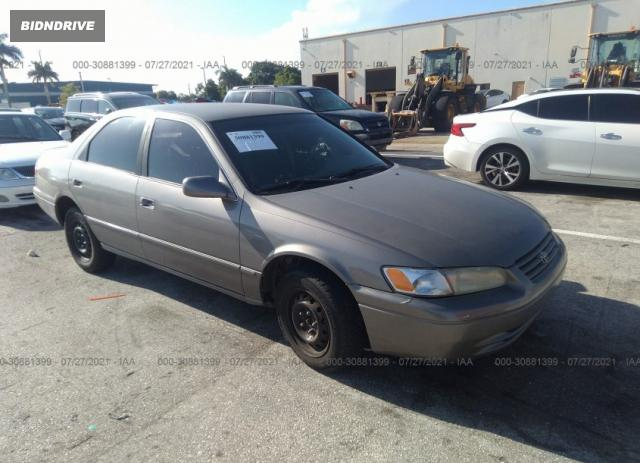 Lot #1738808364 1998 TOYOTA CAMRY LE/XLE/CE salvage car