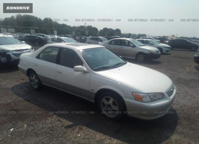 Lot #1738809654 2001 TOYOTA CAMRY CE/LE/XLE salvage car