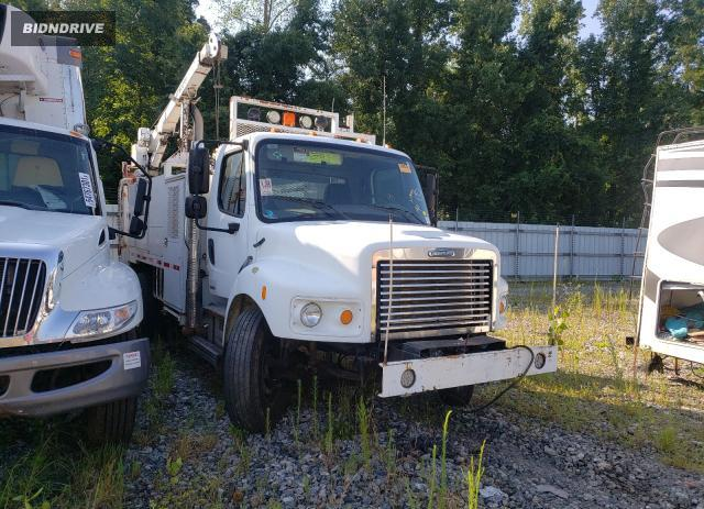 Lot #1756698387 2010 FREIGHTLINER M2 106 HEA salvage car