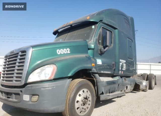 Lot #1775516594 2014 FREIGHTLINER CASCADIA 1 salvage car