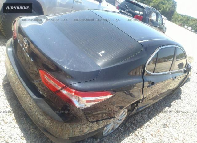 Lot #1776444557 2018 TOYOTA CAMRY LE salvage car